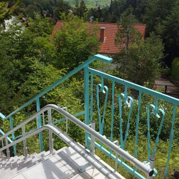 Gerade Treppenliftanlagen